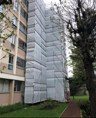 Vue extérieure de l'immeuble à désamianter